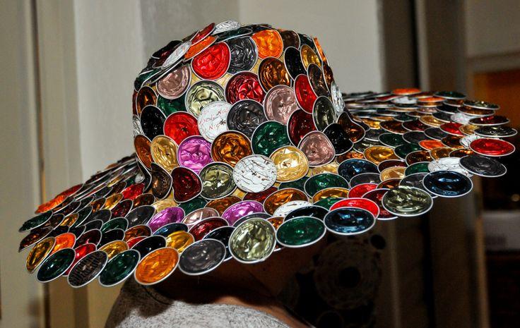 chapeau en capsules de cafe