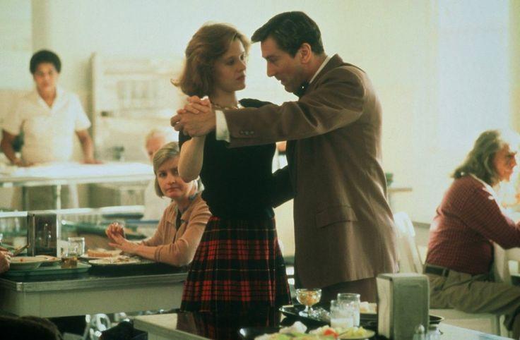 Awakenings Robert de Niro and Penelope Ann Miller dancing