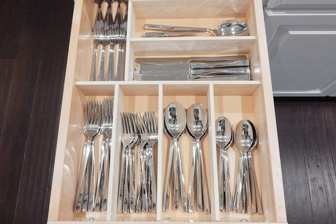 Keys to Inspiration DIY Custom Wooden Drawer Organizers   February 22, 2016   http://www.keystoinspiration.com/diy-custom-wooden-drawer-organizers/