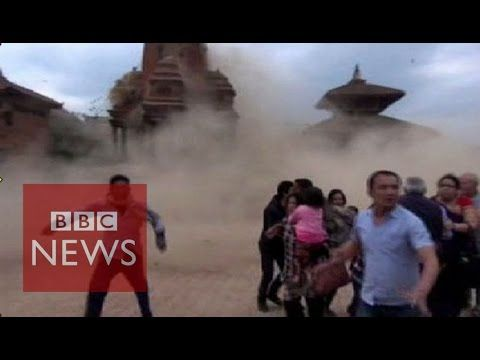 Nepal earthquake: Video shows terrified tourists as the temple collapses - BBC News - YouTube