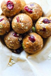 Gluten Free Muesli Energy Bites Recipe {NO Bake, VEGAN}