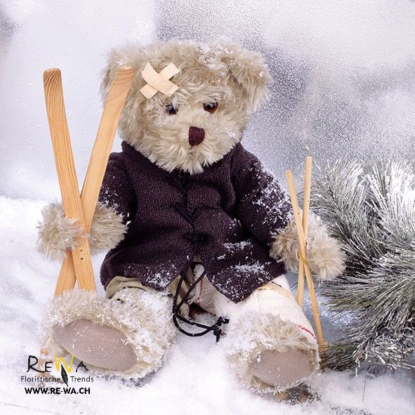 4 Single paper decoupage napkins.Christmas X187 winter,Teddy bear ski accident