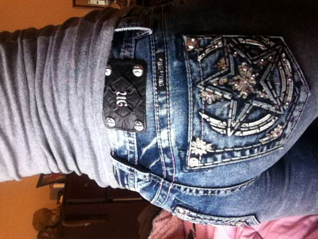New jeans // Miss me jeans horse shoe with star. Boot barn cute outfit. Miss mes.