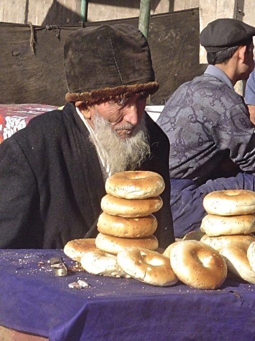 Kashgar-Bazaar Old Man with Bagels