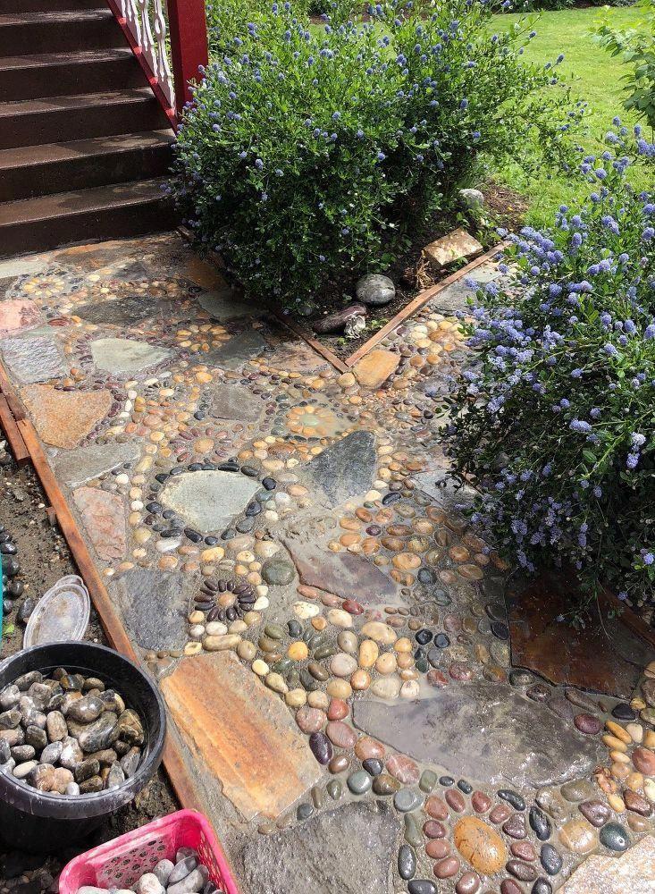 Création d'un chemin de jardin en mosaïque de pierre avant #Gardenpath
