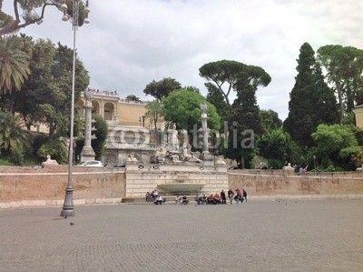 Roma  - Piazza del Popolo - La fontana della Dea Roma e la terrazza del Pincio