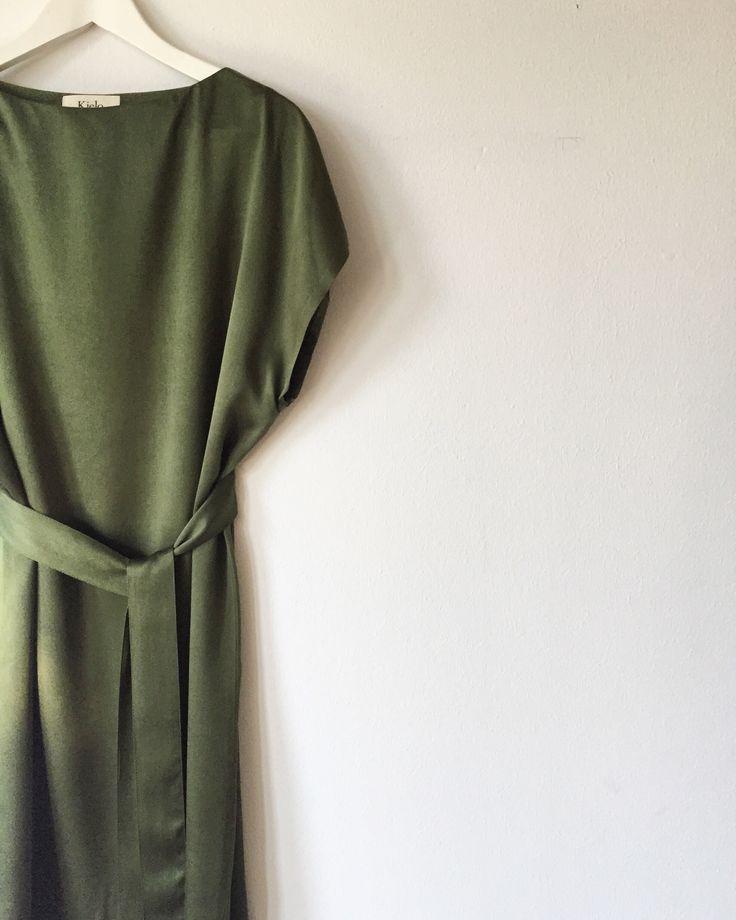 Blake dress in forest green, 100% Ahimsa silk