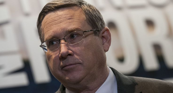 Sen. Mark Kirk to GOP colleagues: 'Man up and cast a vote'