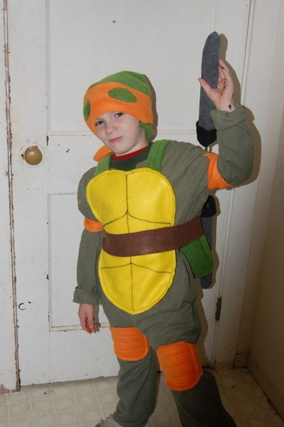 19 best halloween costume ideas family themes images on pinterest diy ninja turtle costume for a child comments comments solutioingenieria Image collections