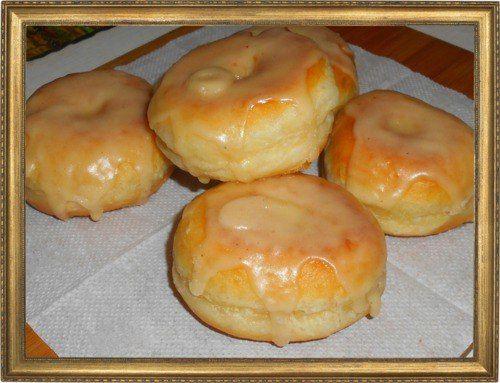 Яблочные пончики с корицей и ромом.