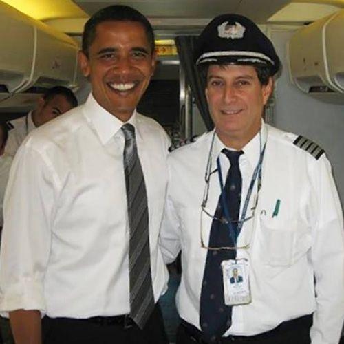 Obamas Pilot offenbart eigene UFO-Sichtung . . . http://grenzwissenschaft-aktuell.blogspot.de/2015/04/obamas-pilot-offenbat-eigene-ufo.html . . . Abb.: New York Daily News