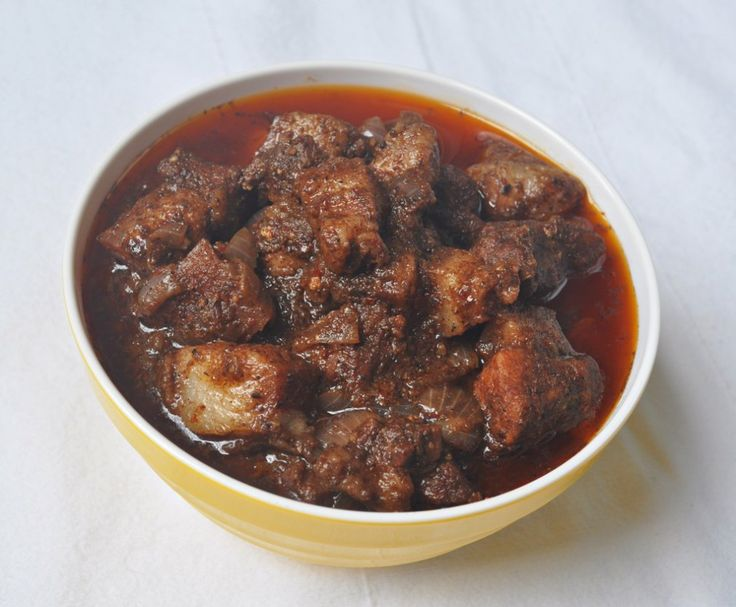 As a child, I wasn't particularly fond of pork dishes because I used to dislike the fat. This continued till I went to college. During my studies in Mangalore, I used to visit my aunt during weekends. During one such visit, a pork curry was prepared. I was a bit hesitant to have it but still went ah