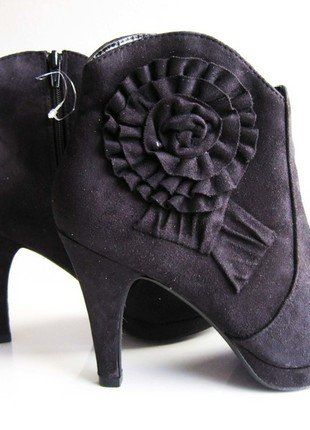 Kaufe meinen Artikel bei #Kleiderkreisel http://www.kleiderkreisel.de/damenschuhe/stiefeletten/138452835-stiefelette-in-dunkelblau