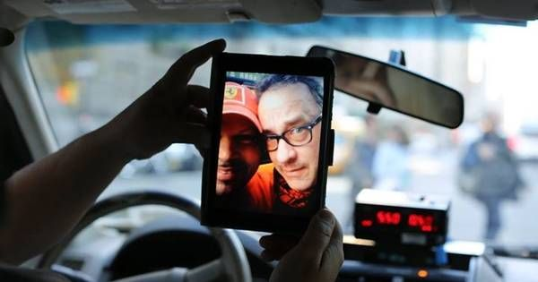 This Cab Driver Had The Greatest Experience When He Picked Up Tom Hanks.