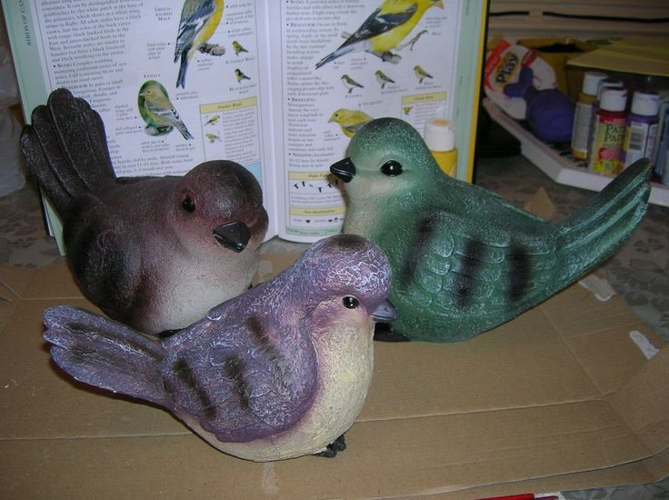 I picked up a few plastic/resin birds at the Dollarama store.  They were grey and green and virtually fade away in the garden so I decided to paint them to rese…