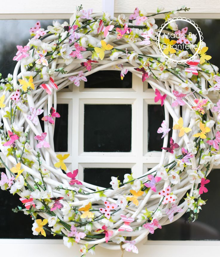 Spring wreath butterfly