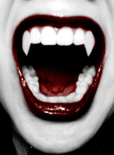Glamourous fangs #vampire #fangs #lipstick - Carefully selected by GORGONIA www.gorgonia.it