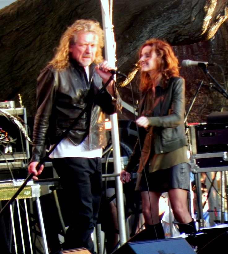 Robert Plant and Patty Griffin on stage.