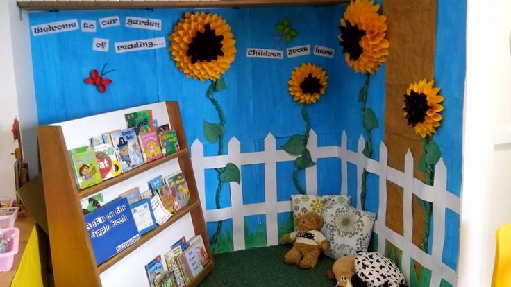 Classroom decoration, theme Flower and gardening. I got this kind of flower from Pinterest and i applied it for our reading corner in our classroom.