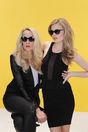Georgia May Jagger and Jerry Hall in black sunnies and black fashion :)