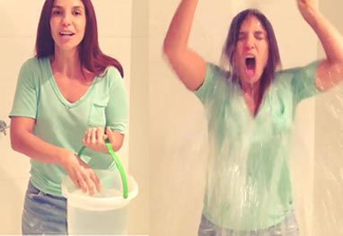 Ivete Sangalo entra em campanha e toma banho frio em prol de doença. http://www.ofuxico.com.br/noticias-sobre-famosos/ivete-sangalo-entra-em-campanha-e-toma-banho-frio-em-prol-de-doenca/2014/08/18-212470.html