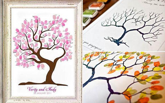 Um dos jeitos mais populares nos EUA hoje em dia é o quadro com impressões digitais, que além de ser lindo, é uma forma econômica de guardar uma recordação da festa. Você só precisa preparar uma mesinha com tintas coloridas para que os convidados pintem os dedos e façam as folhinhas da árvore