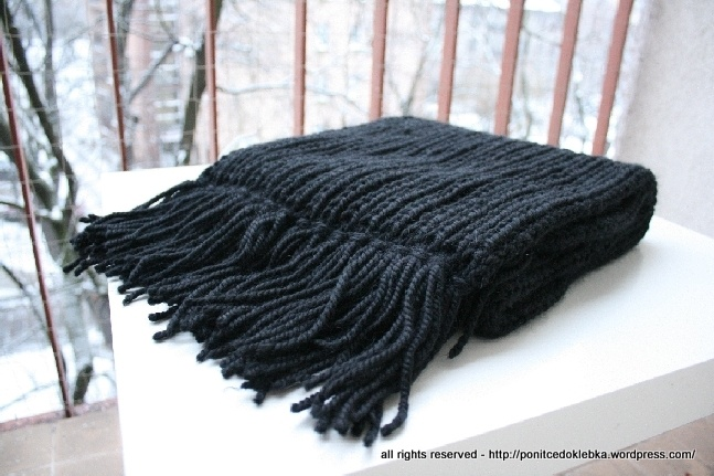 men's scarf with fringes