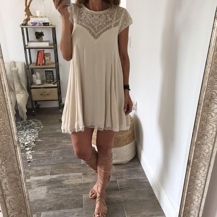 Ella Lace Dress                                                                                                                                                                                 Más