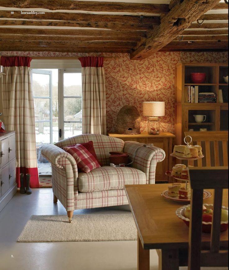 Laura Ashley    non ha bisogno di grandi presentazioni,   quest'anno la famosa casa inglese festeggia 60 anni di attività e mi piace ...