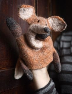 Great Russian tutorial for a wet felted hand puppet