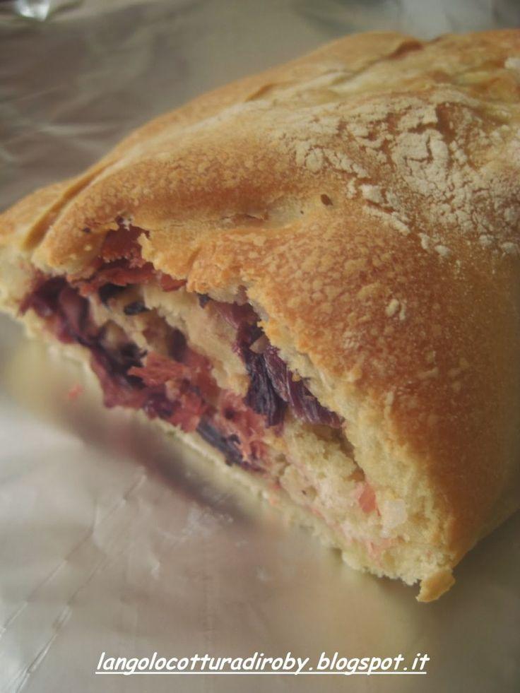 Strudel di pizza con fontina, speck e radicchio rosso | Angolo cottura di Roby