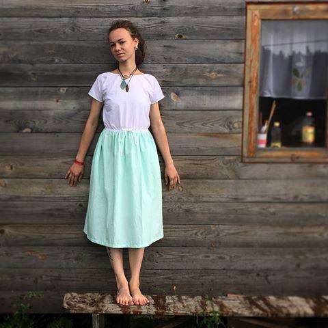 Платье, которое освежает. Хлопок, вискоза. Два кармана, тесёмка. Возможно носить глубоким вырезом на груди. Цена 4000₽, включая доставку.   #цветледника #бирюзовый #бирюзовоеплатье #купитьплатье