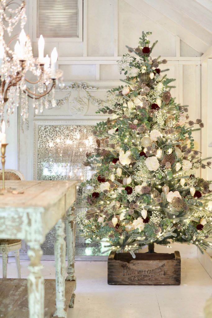 Summer Christmas Tree Decorating Ideas With Flowers In 2020 Country Christmas Decorations Christmas Tree Decorations Best Artificial Christmas Trees