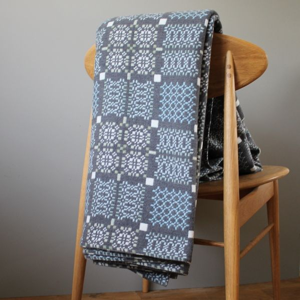 These gorgeous welsh blankets bring vintage up to date.  eclectdesign.com