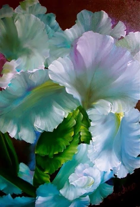 flowersgardenlove:  Love This Iris Beautiful