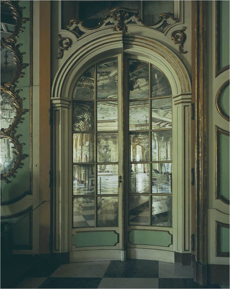 Portugal, door with mirrors, Lisbon palace