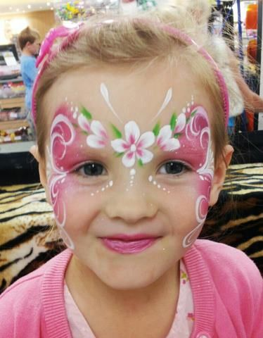 flower mask facepaint / schmink bloemen gepind door www.hierishetfeest.com