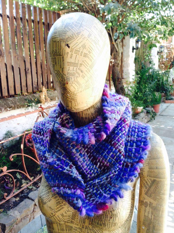 Cuello en telar, lana Merino... Diseño exclusivo.