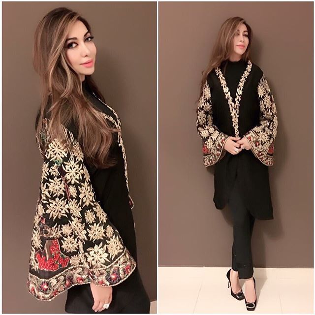 We are awe struck by these breathtaking details and how stunning Safa Khan looks in it! #hinabutt #clientdiaries #blackpower #magical #luxurypret