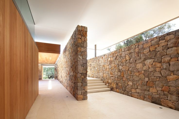 House in South-Western Australia / Tierra Design--------here's an example of that glass hovering over the stone like we were talking about