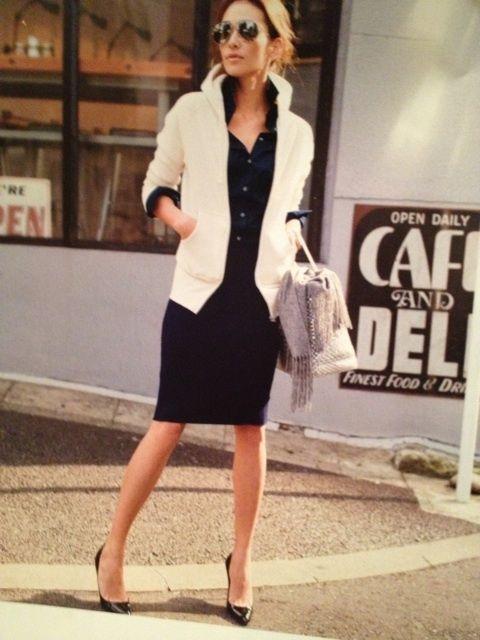 タイトにまとめたスタイルに白パーカー♡ 〜きれいめカジュアル系タイプのファッション スタイルのアイデア コーデ〜                                                                                                                                                                                 もっと見る