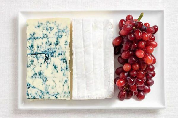 Fransa Blue cheese, brie peyniri, üzüm