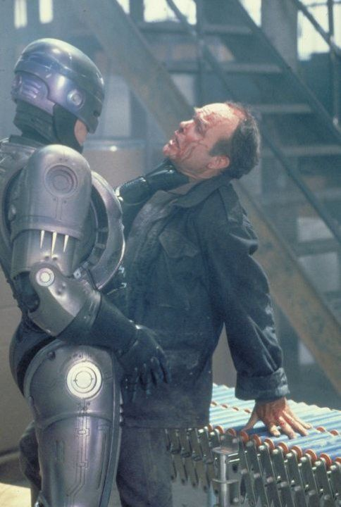 Still of Peter Weller and Kurtwood Smith in RoboCop (1987)