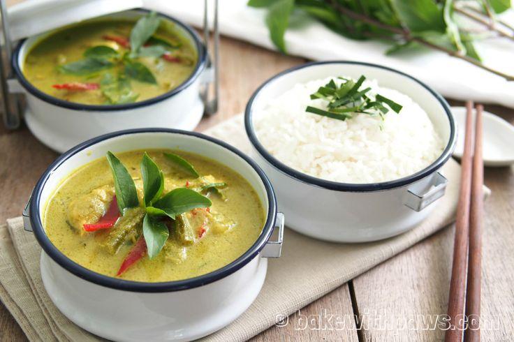 Green Curry Chicken (Gaeng Kaew Wan)