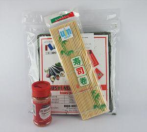bubuk cabe + nico nori + sushi mat - P. Ichi Nigu Beli Paket Lebih Praktis isi paket Ichi Nigu: - 1 Nico Nori @50 lembar - 1 Gulungan Sushi/ Sushi Mat (24cm x 24cm) - 1 Ichimi Togarashi 40gram