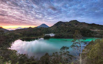 PERGIPEDIA  - Objek Wisata Telaga Warna Dieng Wonosobo Jawa Tengah . Wisata Telaga Warna  terleta...