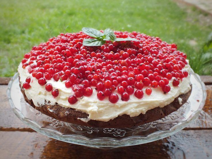 Maková torta s ovocím pre chatové popoludnie