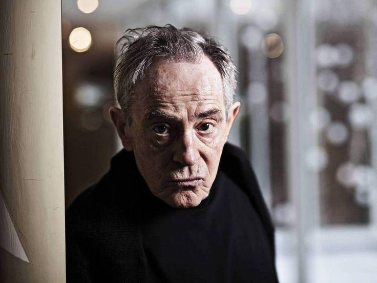 """Jan Triska ist tot. Der amerikanisch-tschechische Schauspieler starb im Alter von 80 Jahren. Er war in Prag von der Karlsbrücke gestürzt. Der amerikanisch-tschechische Schauspieler Jan Triska (1936-2017, """"Die Volksschule"""") ist im Alter von 80 Jahren verstorben, wie tschechische..."""
