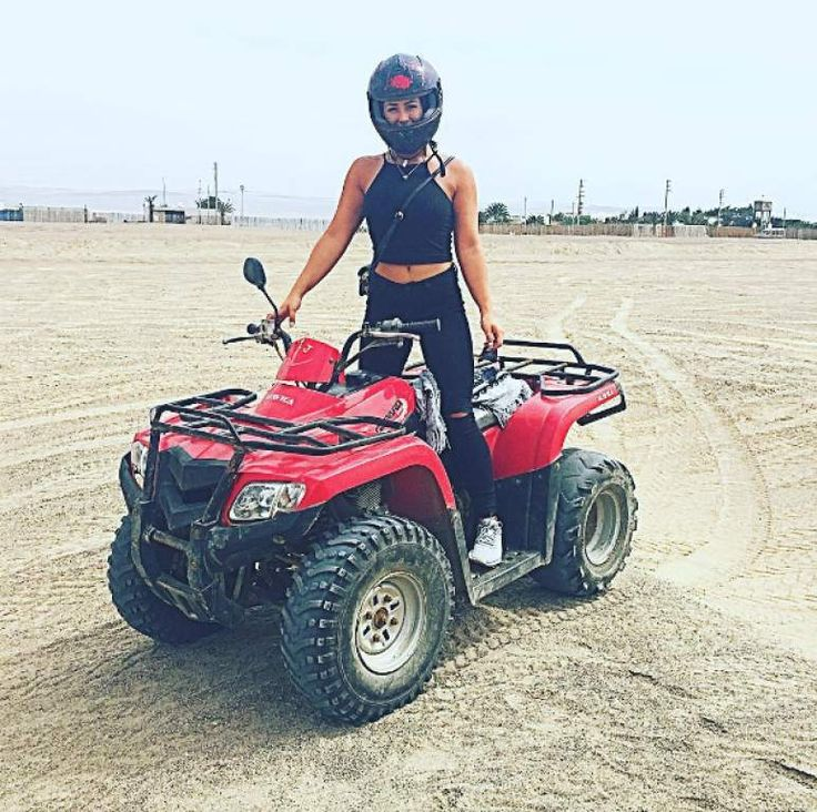 """Caen en Australia las mulas """"más sexys"""" de Instagram  Antes de ser detenida, Melina dio un paseo en una cuatrimoto en Perú."""