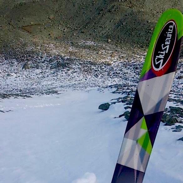 Ski Service team rider, Robin Délèze, getting first tracks on the Bec des Rosses. October 2015. #skivibes #Verbier